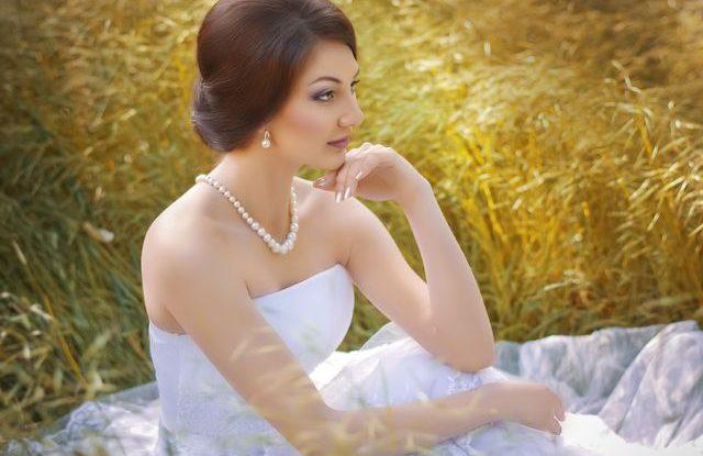 Jak zhubnout do šatů, Svatební šaty pro malou postavu