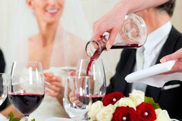 vino-svatba-karafa