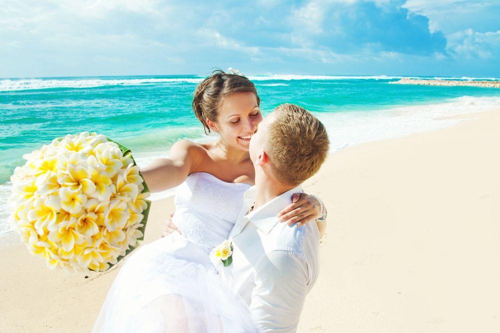 """f142c476f212 Svatba na pláži není jen pro nejbohatší"""". Tipy"""