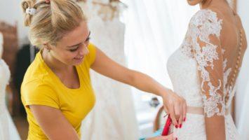 Z čeho ušít svatební šaty na míru