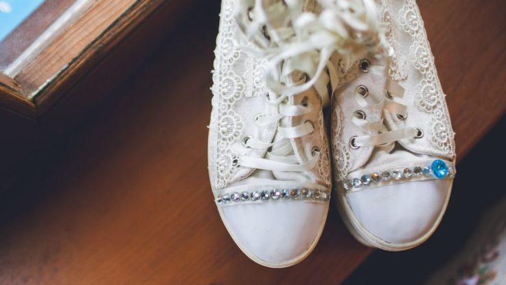 0305d7497d2 Jaké boty na netradiční svatbu  Zkuste svatební tenisky