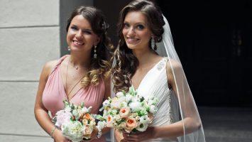 Svědkyně na svatbě, jak vybrat šaty