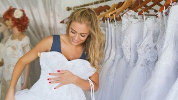 81b45be7a30d 9 nejdůležitější pravidel při zkoušení svatebních šatů