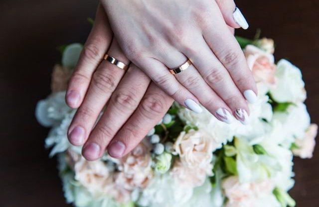 Materialy Na Snubni Prsteny Ktery Je Ten Pravy Pro Vas Weddingmag
