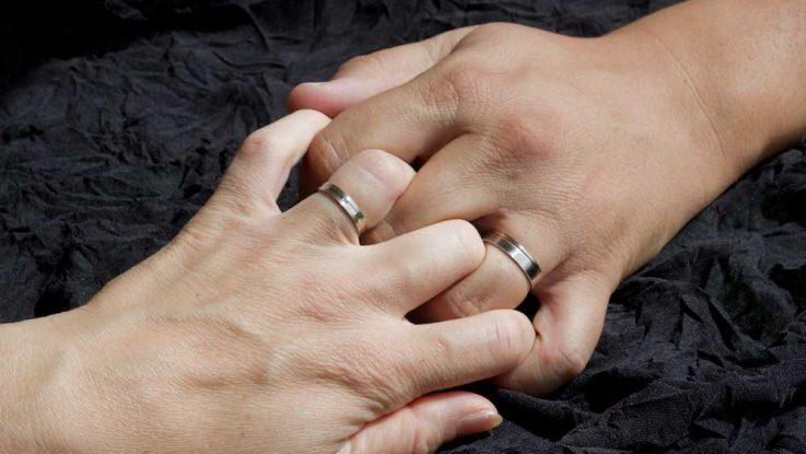 Snubni Prsteny Z Chirurgicke Oceli Jake Jsou Jejich Vyhody A