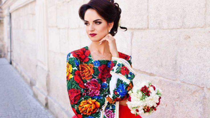 Barevne Svatebni Saty Proc Ne Zazarite Weddingmag