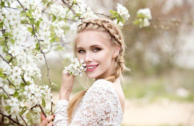 1a94b2abbe8 Svatba na jaře je něco nádherného. Stromy a květiny začínají růst