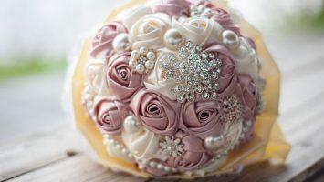 Umělé květiny na svatbě
