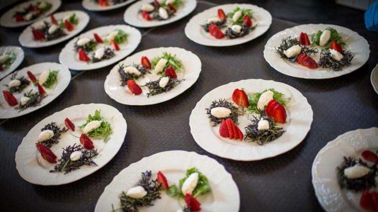 Přípravy svatební hostiny